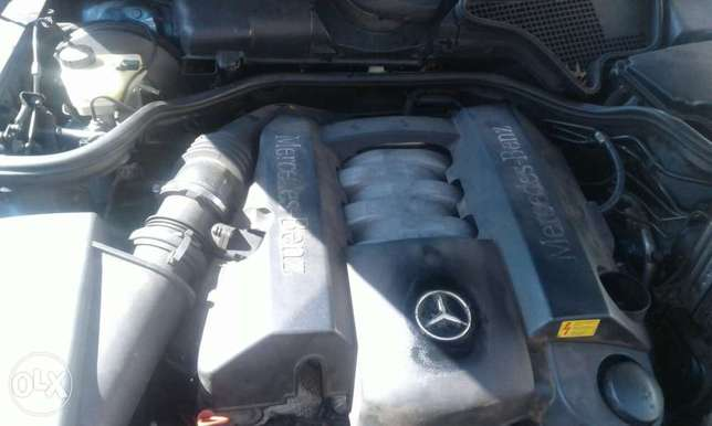 Neat Mercedes Benz E240 Automatic on special price Bramley - image 1
