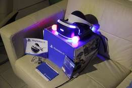 Playstation VR (PSVR) + 2 games + Camera + 2 Moves + Move Charger