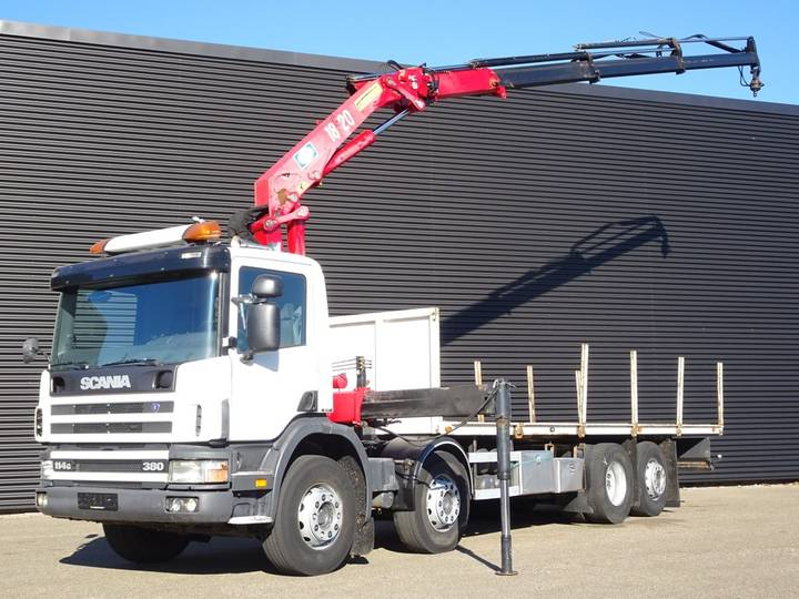 Scania P114.380 8x2 / HMF 18 T/M CRANE / KRAN - 2004