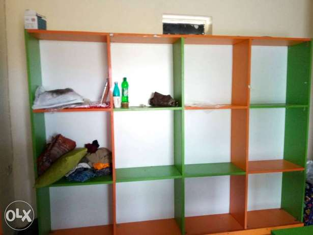 Clean furniture for shop. Three pieces floor to ceiling shelves. Badagry - image 2