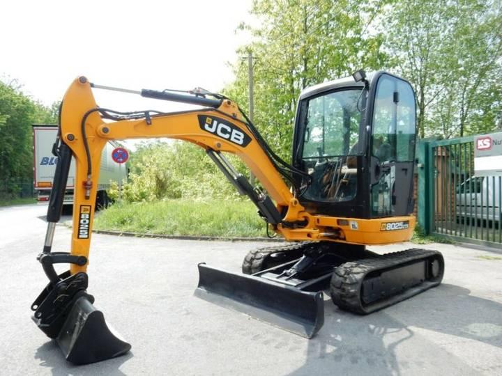 JCB 8025 ZTS - 2011
