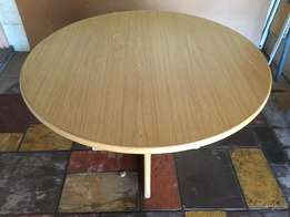 Office Table round + 4 Chairs
