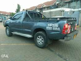 Toyota pick up kbn diesel cc2500 very nice and cln