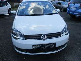 POLO VIvo 2015 Model,5 Doors factory A/C And C/D Player