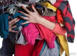 We pay cash for 2nd HAND CLOTHING