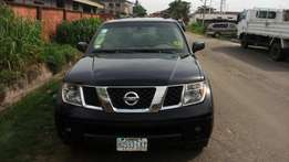 Nissan pathfinder very clean model 2005