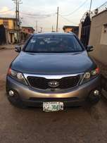 Super clean Nigeria used Kia Sorento 3 seater row, 2014 model