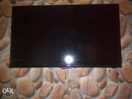 Samsung 39inches smart TV with bad screen for sale urgently and cheap
