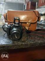 Canon DSLR DC with leather bag