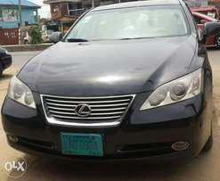 Super clean and neatly used lexus ES350