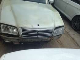 1999 Mercedes Benz C280 Stripping for spares