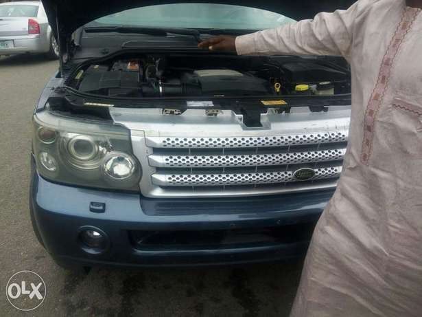 Fairly used range rover in a very sound and perfect condition Port-Harcourt - image 2