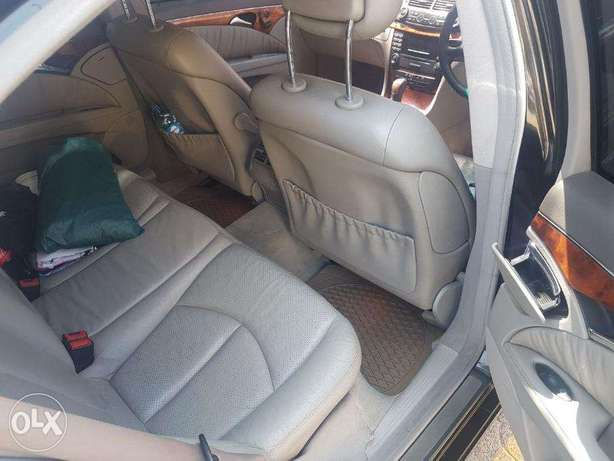 Mercedes Benz E200 Nairobi West - image 7