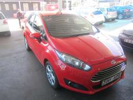 Automatic 2016 Red Ford Fiesta 1,0 Ecoboast powershift