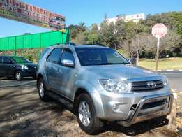 2010 model Toyota Fortuner automatic v6 petrol for sale