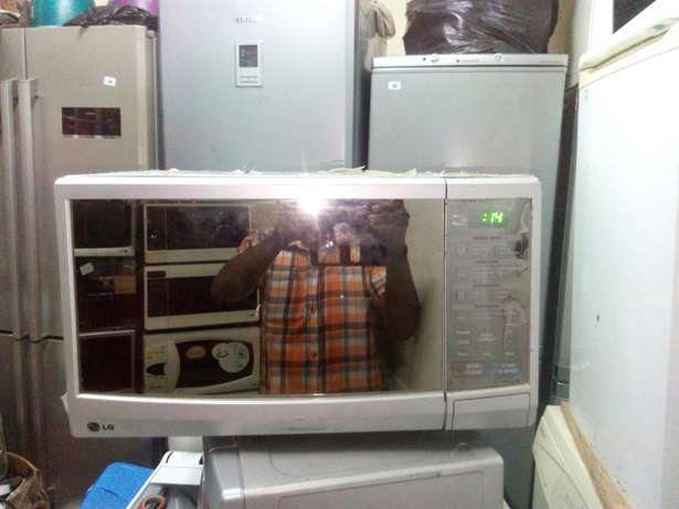Lg latest model microwave Nairobi CBD - image 2
