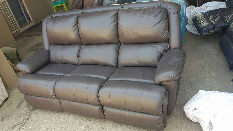 Incredible 3 Seater Leather Couch Classified Ads In Furniture Decor Pabps2019 Chair Design Images Pabps2019Com