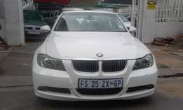 BMW 325i white in color 2008 model automatic 85000km R150000 for sale