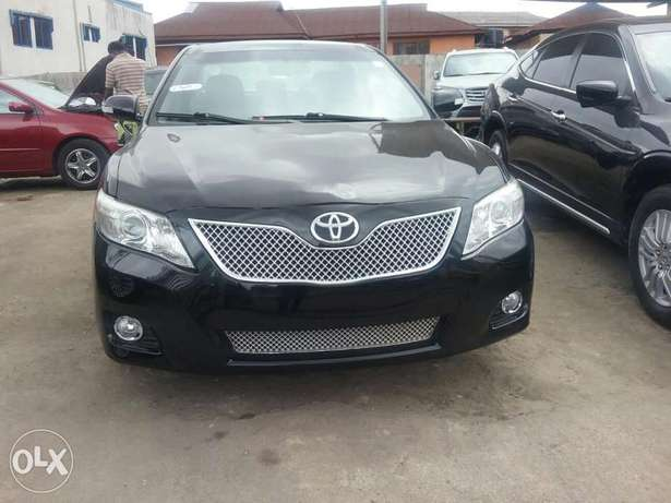 Clean Toyota Camry Lagos Mainland - image 1