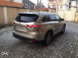 Toyota Highlander foreign used XLE