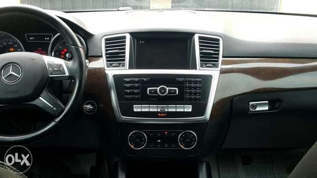 Super clean 2014 Mercedes Benz ML 350 Lekki Peninsula - image 1
