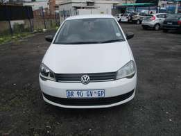 Polo Vivo 1.4 Model 2015,5 Doors factory A/C And C/D Player
