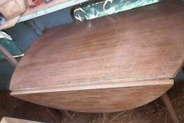 Folding sides table in good condition