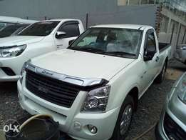 Isuzu dmax new fully loaded, finance terms accepted 2010 model