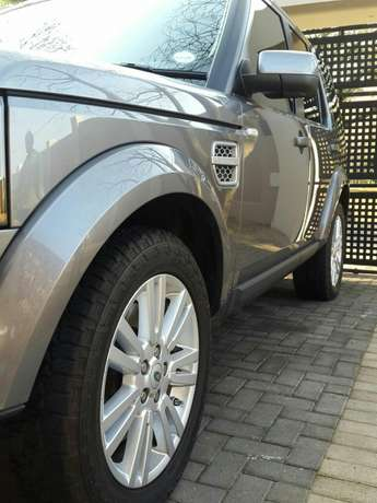 Land Rover Discovery 4 HSE 3.0 SDV6 Krugersdorp - image 3