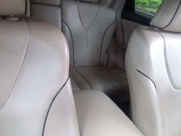 New Toyota Venza 2012 (fairly used in nigeria ) Lagos - image 6