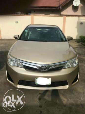 Nigerian used Toyota Camry 2013 leather with full option Isolo - image 1