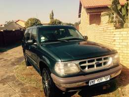 Ford Explorer 4l xlt 4x4 SUV - Sell or Swap :)