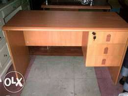 Standard Reliable 1.2meter Office Table