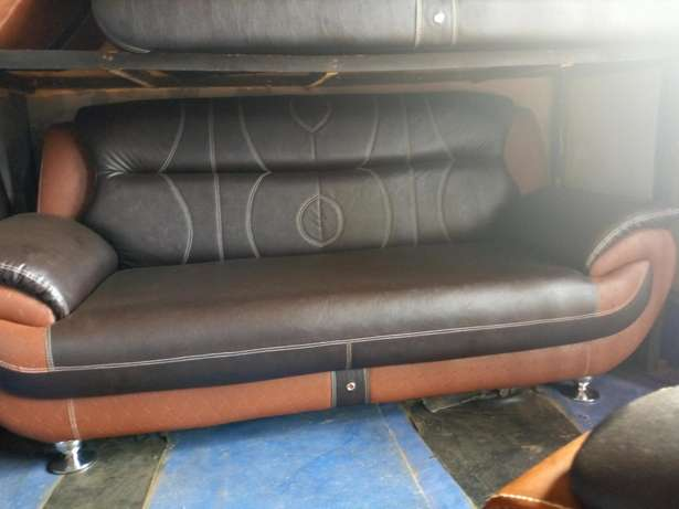 Chair 7 in 1 seaters Anambra East - image 1