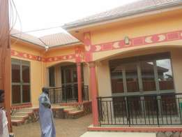 A beautiful self contained double roomed house in kisaasi at 450k