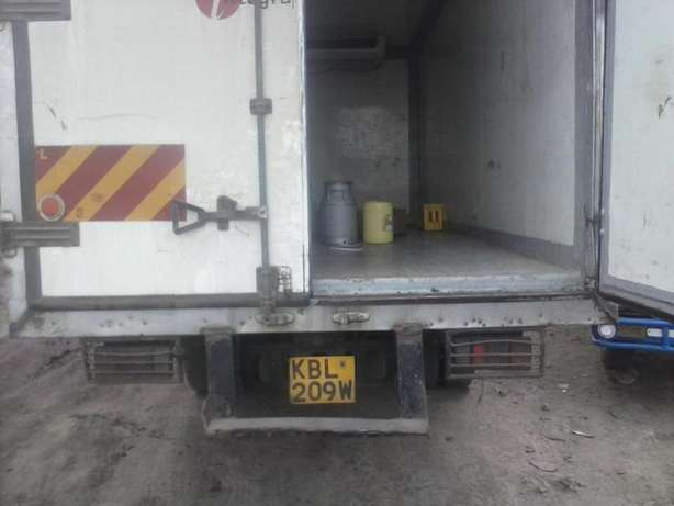 Cranes,rollies,trucks and other machineries for hire Nairobi CBD - image 4