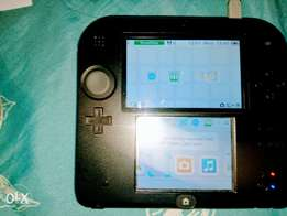 Nintendo 2ds console with charger