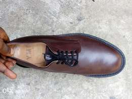 Dark brown leather lace up men shoe