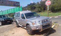 2011 nissan np300 hardbody with canopy for sale