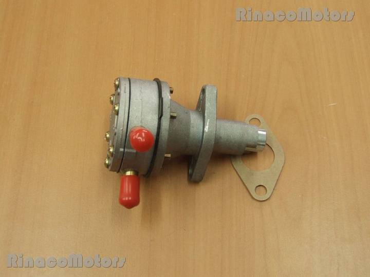 Kubota Toplivnyy nasos  D905 (v12) spare parts for  mini tractor
