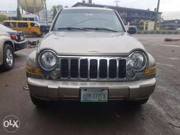 Extremely clean register 05 Liberty jeep