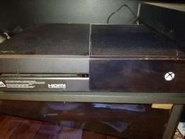 xbox 1- 500 gb with 2 controllers and 25 games