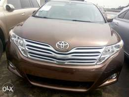 Toyota Venza 2010 brown in good condition