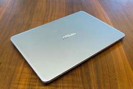 Asus core i3,8 gb ra,.500 gb hdd,2.40 ghz