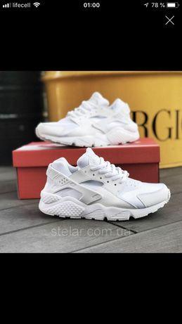 90a2cc62 Продам женские кроссовки Nike Air Huarache белые(реплика)