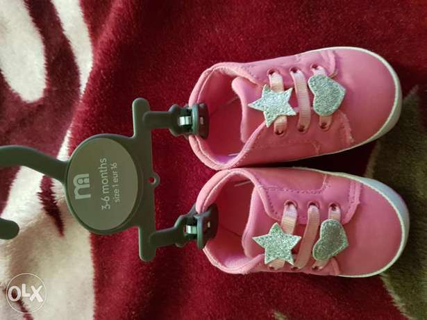 New unused baby girl shoes 2 pcs size 3-6months