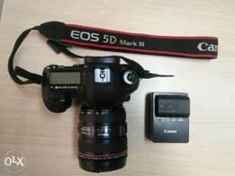 Canon 5D Mark III, 24-70 mm lense kit *Mint*