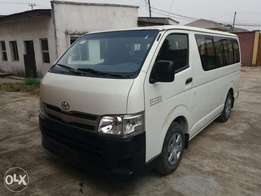 Clean Tokunbo Toyota Hiace (Hummer Bus) - 2014