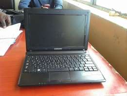 1GB RAM HD: 267 GB model: Samsung Speed: 1.60ghz Laptop for sale