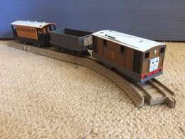 Thomas the train: Toby with 2 wagons